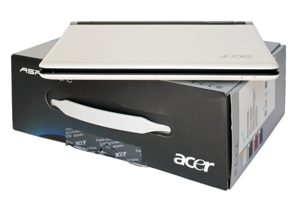 Acer One D250 unboxed