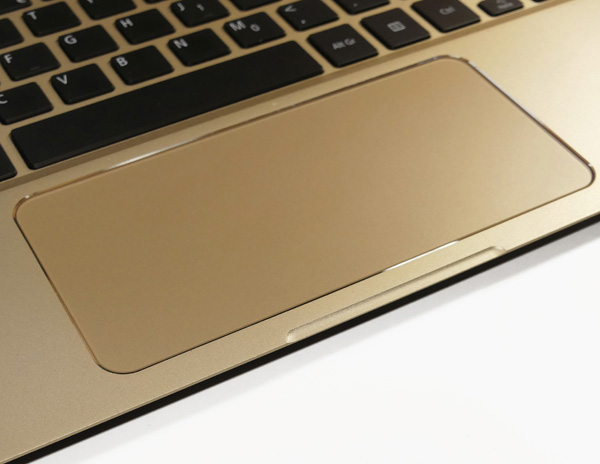 Il larghissimo precision touchpad dell'Acer Swift 7