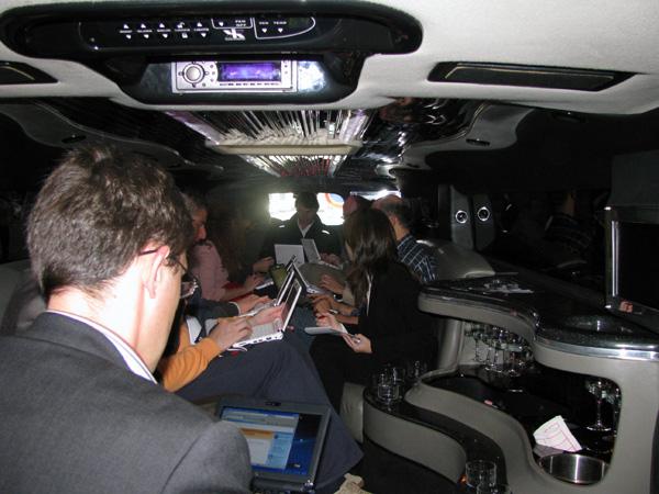 Tutti nella Hummer con Asus EeePC 901 GO