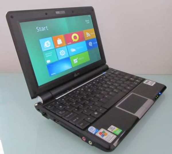 Asus Eee PC 1000H con Windows 8