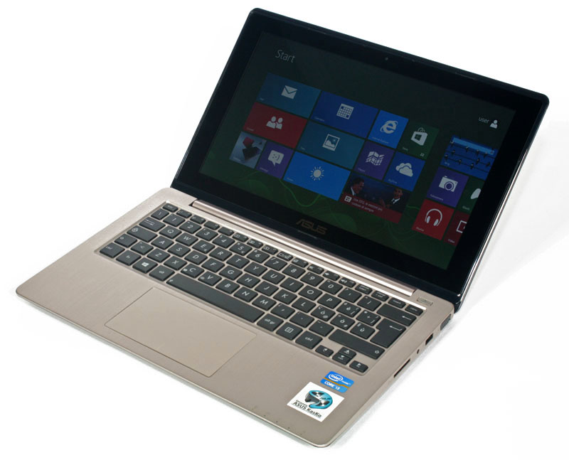 Il notebook Asus Vivobook S200e nasce per Windows 8