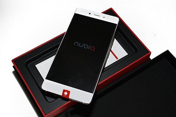 Nubia Z11 bianco out of the box
