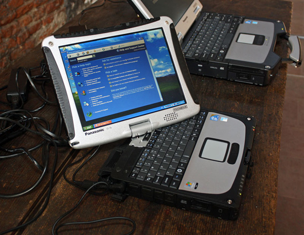 Il tablet convertibile rugged Panasonic Toughbook CF-19