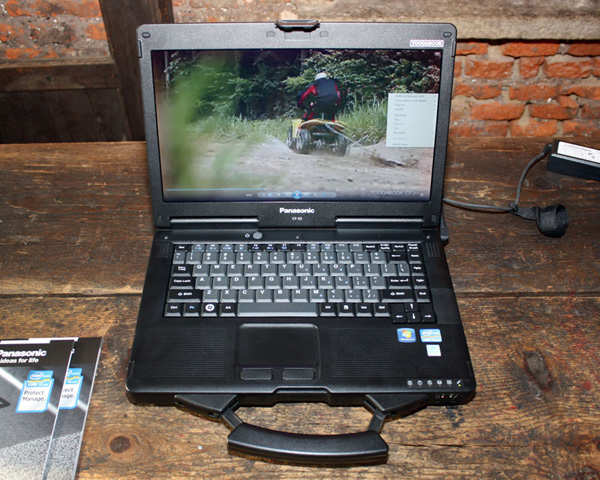 Panasonic Toughbook CF-53 aperto