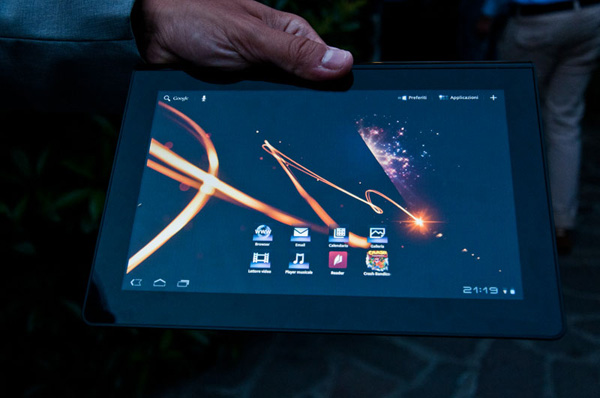 Android 3 Honeycomb su Sony Tablet S1, orientamento panoramico