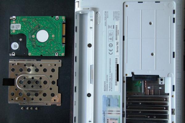 Sony Vaio W disassemblaggio