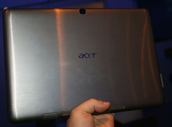 Acer Iconia tablet retro