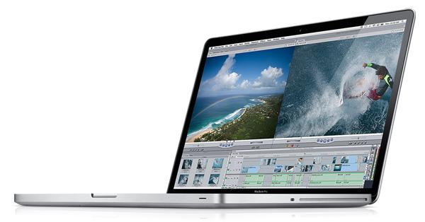 Apple MacBook Pro 17 tre quarti
