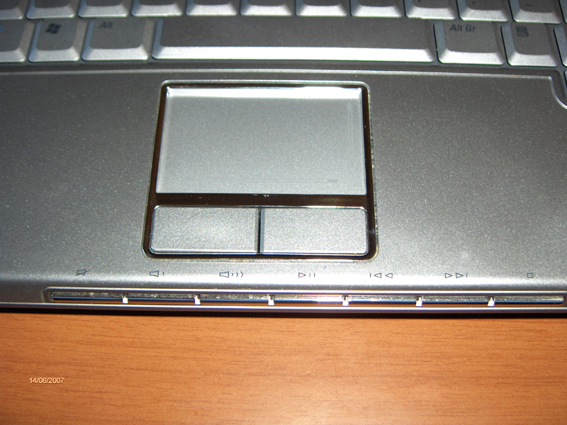 Dell XPS M1210, fronte