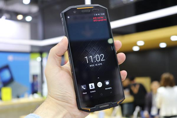 Doogee S70 Rugged Phone Ip68 Con Mediatek Helio P23 E