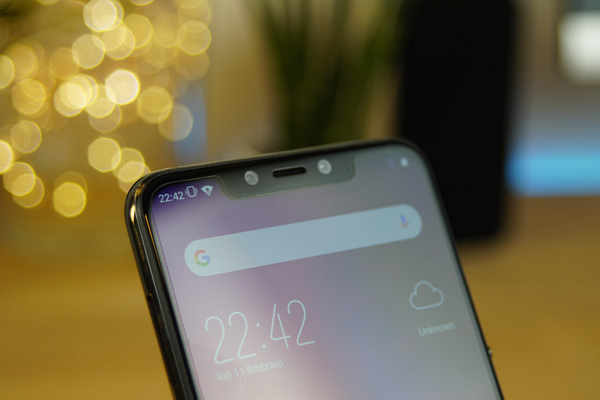 Il display dell'Elephone A5 ha l'immancabile notch