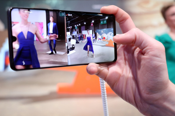 Huawei Dual-View Video permette di fondere due video in uno
