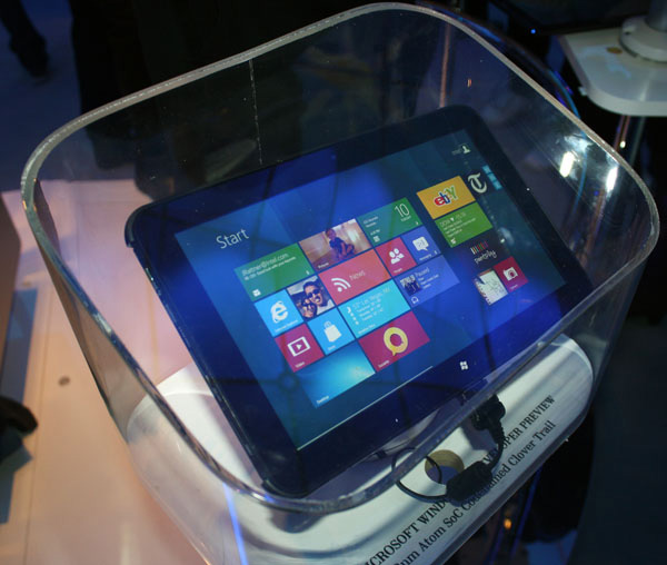 Concept di tablet Intel Clover Trail