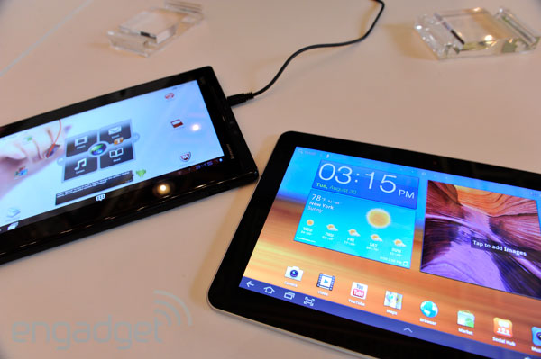 Lenovo ThinkPad Tablet vs Samsung Galaxy Tab 10.1