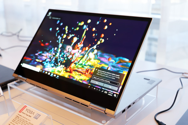 Lenovo Yoga C730 con display AMOLED
