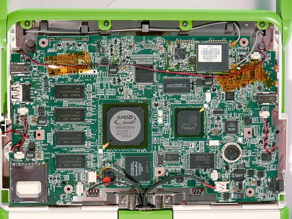 OLPC XO disassemblato