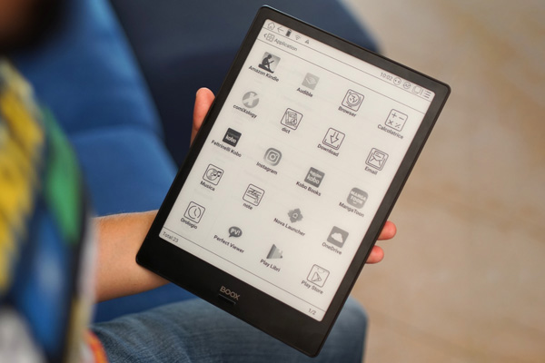 Onyx Boox Note è un ebook reader con ampio display e penna Wacom