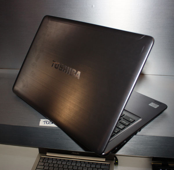 Toshiba Satellite 14 ultrabook retro