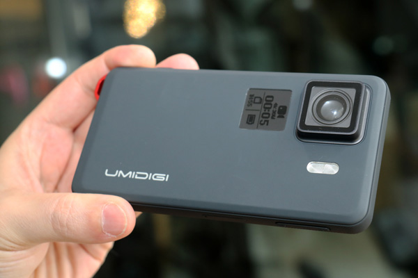 Umidigi Ironman è il primo rugged smartphone con action camera integrata